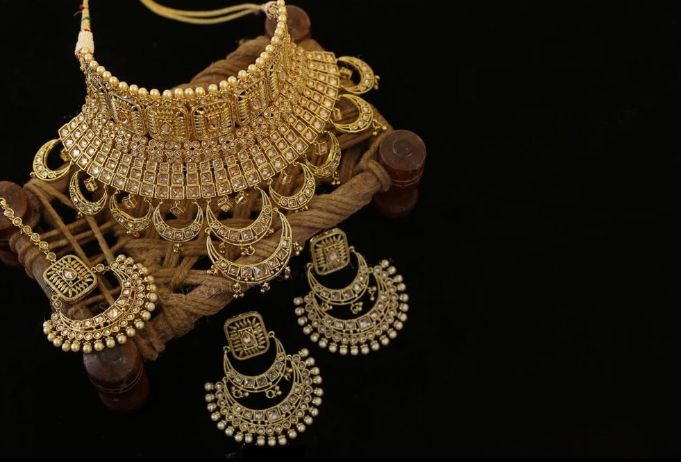 Sabyasachi Inspired Ivory Color Kundan Polki Necklace