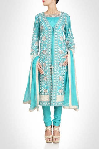 Sky blue suit in silk