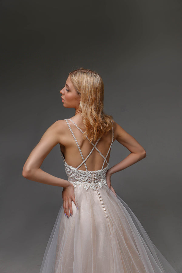 V0104, Bohemian Wedding Dress, Open Back Wedding Dressress