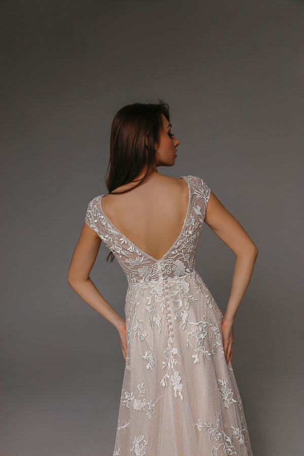 V0109, Lace Wedding Dress, Short Sleeved Wedding Dress