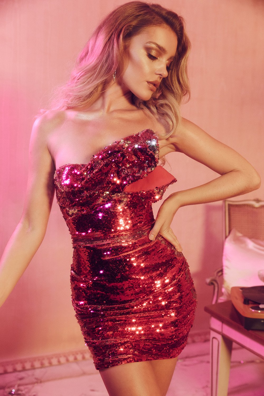 PINK SEQUINNED STRAPLESS DRESS