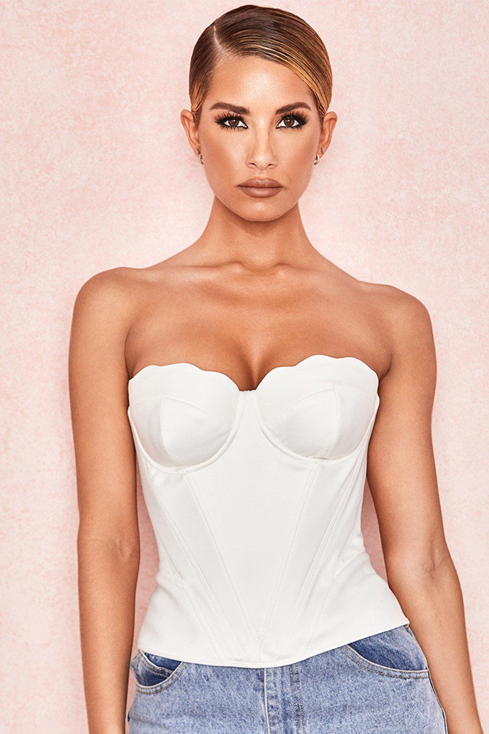 WHITE SATIN SCALLOP EDGE CORSET