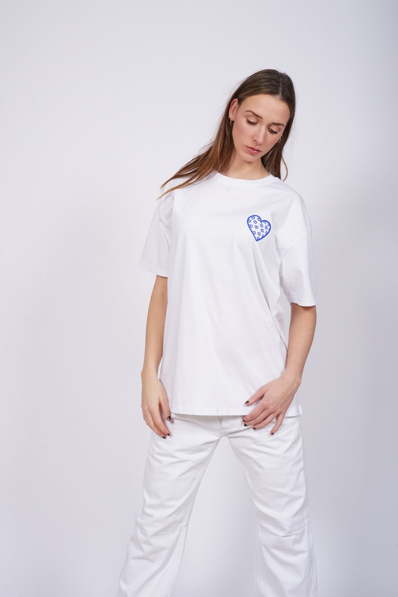 Oversized White Chest Heart T-Shirt