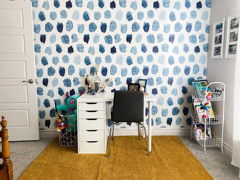 Learning station with patterned wallpaper