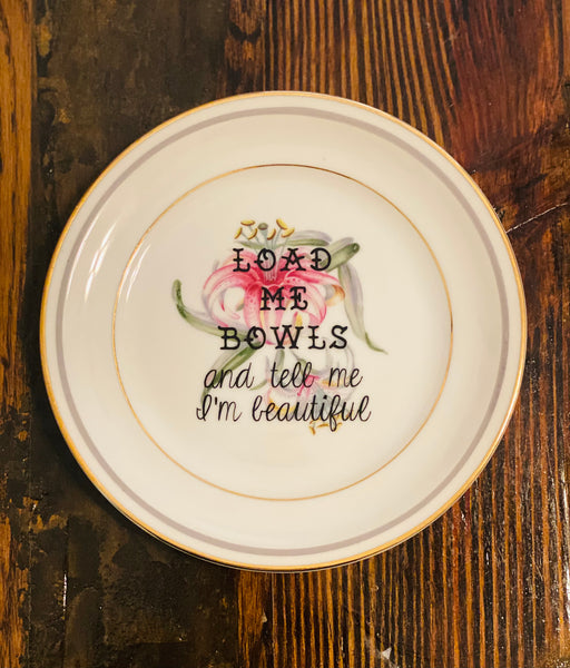 Load me bowls and tell me I'm beautiful | vulgar vintage Meito china 6.25in pink lily plate