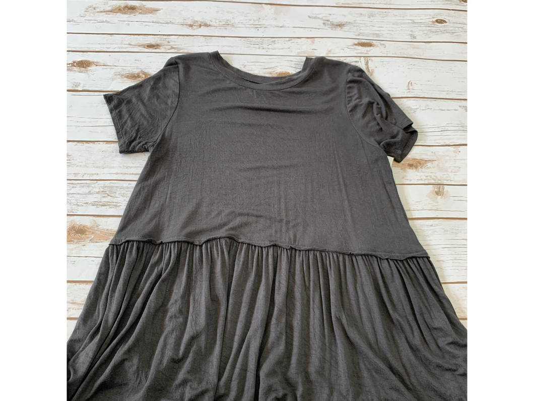 Zenana Outfitters Short Sleeve Top Size Medium