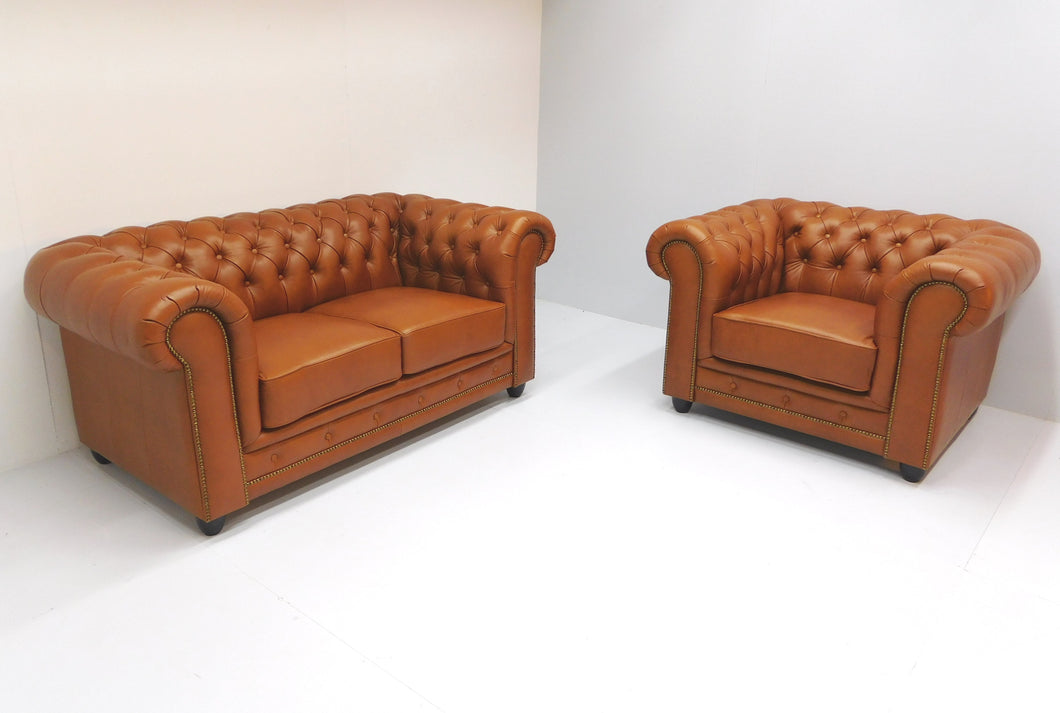 Chesterfield 2 zits bank en fauteuil ARSENAL-JOHN tabacco aniline leder.