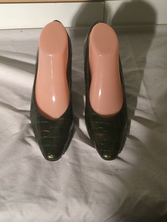 Women's Green Faux Alligator Pumps by LifeStride (SH232)