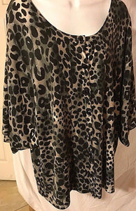 Women's Plus Size Black Animal Print Sweater Size 26/28 by Lane Bryant (02880)