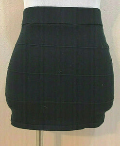 Women's Black Knit Paneled Mini Skirt Size L by Zenana Outfitters (04278)