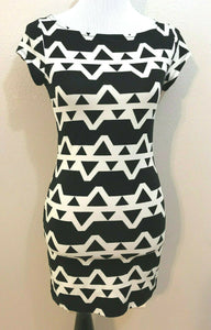 Women's Black & White Geometric Design Stretchy Dress Size M by FOREVER 21 (04276)