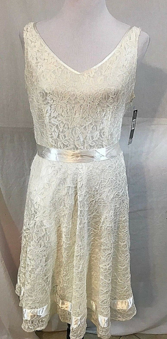 Women's New Ivory Lace Tea Dress Size M by Tahari (03384)