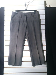Women's Gray Tweed Capri's Size 6 by H & M (01230)