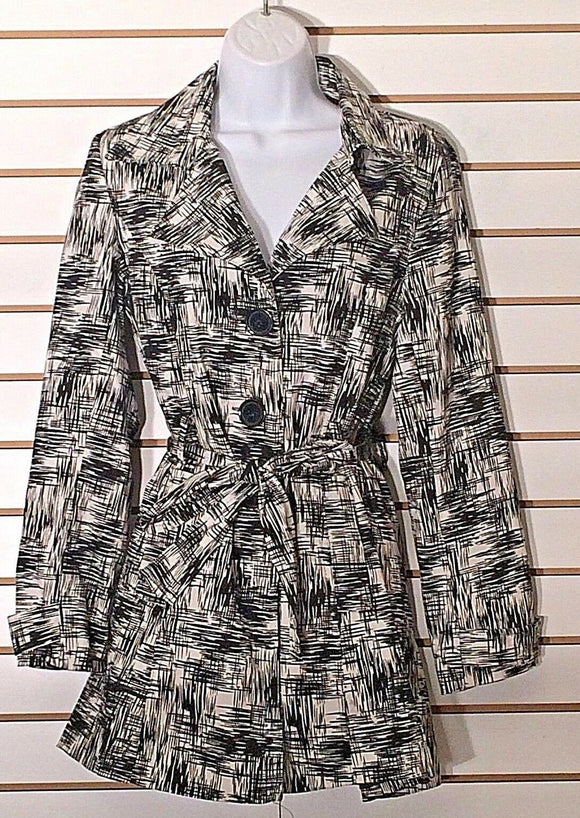 Women's Black & White Coat Size S by Talie (02203)
