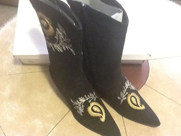Women's NIB Black Cowgirl Suede Gold Embellished Boots by Bijou! (SH168)