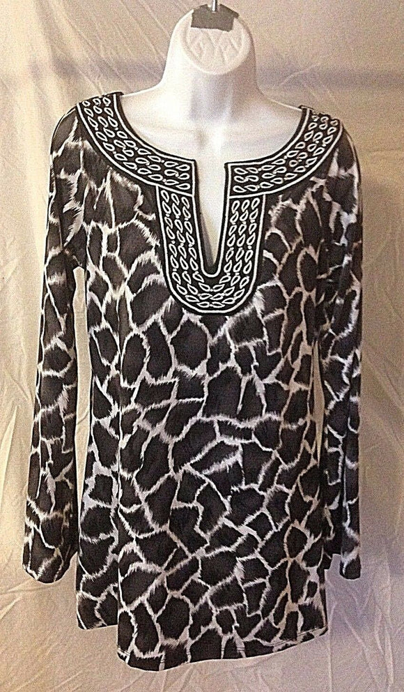 Women's Black/White V-Neck Embellished Top Size M by INC International Concepts (02344)