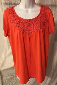 Women's Coral Embroidered Top Size M by Carolyn Taylor (02543)