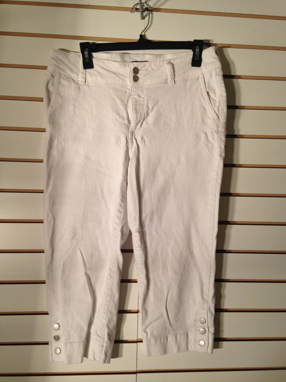 Women's White Denim Capri's Size 8 by NYDJ (01935)