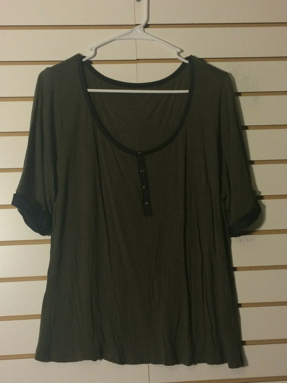 Women's Olive Green Top w/ Buttons Size L (01471)
