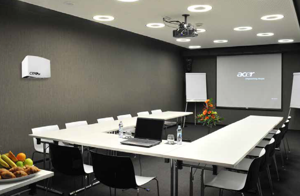 office-businesses-meeting-room