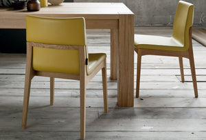 Chair with wooden structure and fabric seat leather