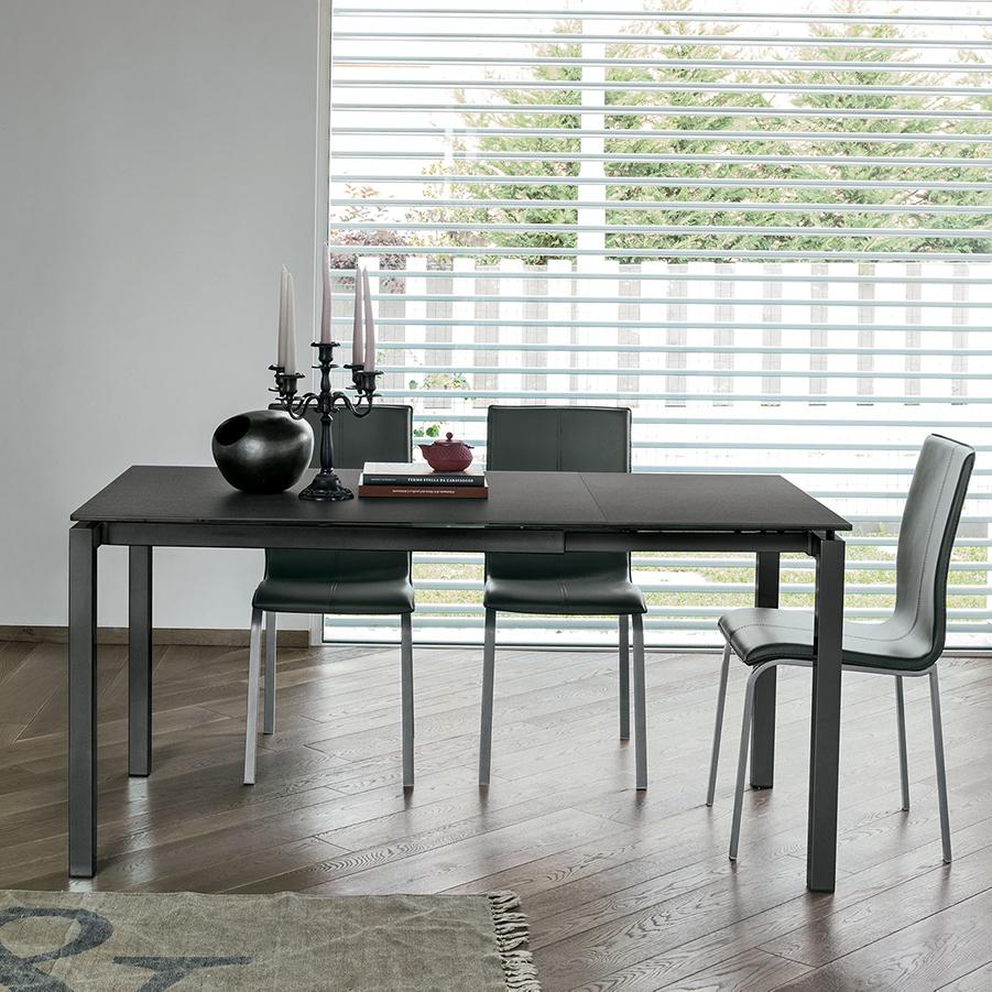 Auriga 110 extendable dining table