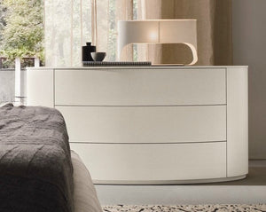 Christal elegant oval chest of 3 drawers