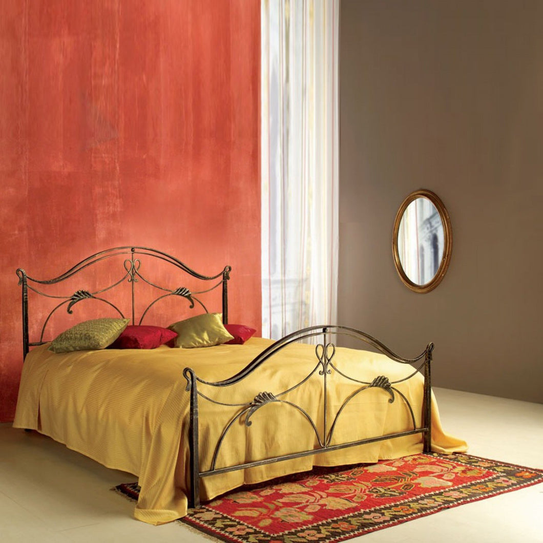 Ottocento wrought iron king size bed by Cosatto Letti