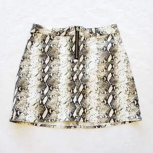 WB Short Skirt - Medium