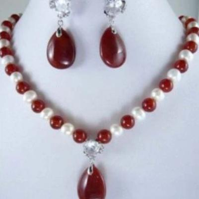 Superb Classic Combination of Genuine Healing White Pearl and Red Agate Jewelry Set