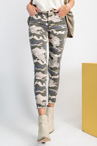 Easel Destructed Camo Pants