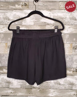 Load image into Gallery viewer, TIE KNOT SHORTS-Shorts-Hem & Thread-Litchfield Lane Boutique