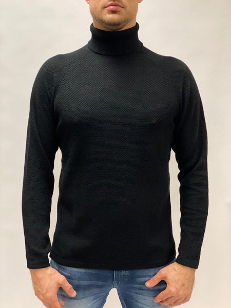 Lamp Roll Neck Knit Gabba Black.