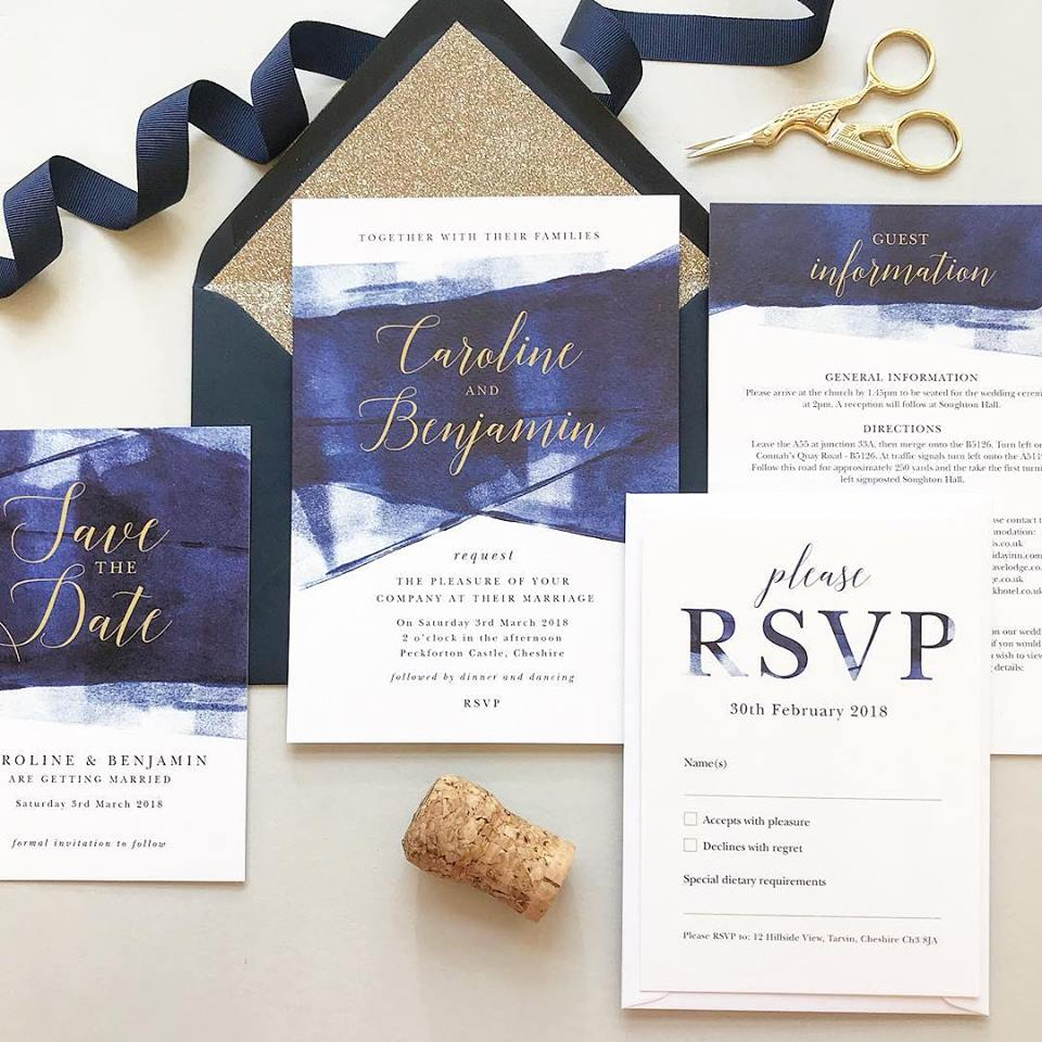 How to Achieve a Navy & Gold Themed Wedding