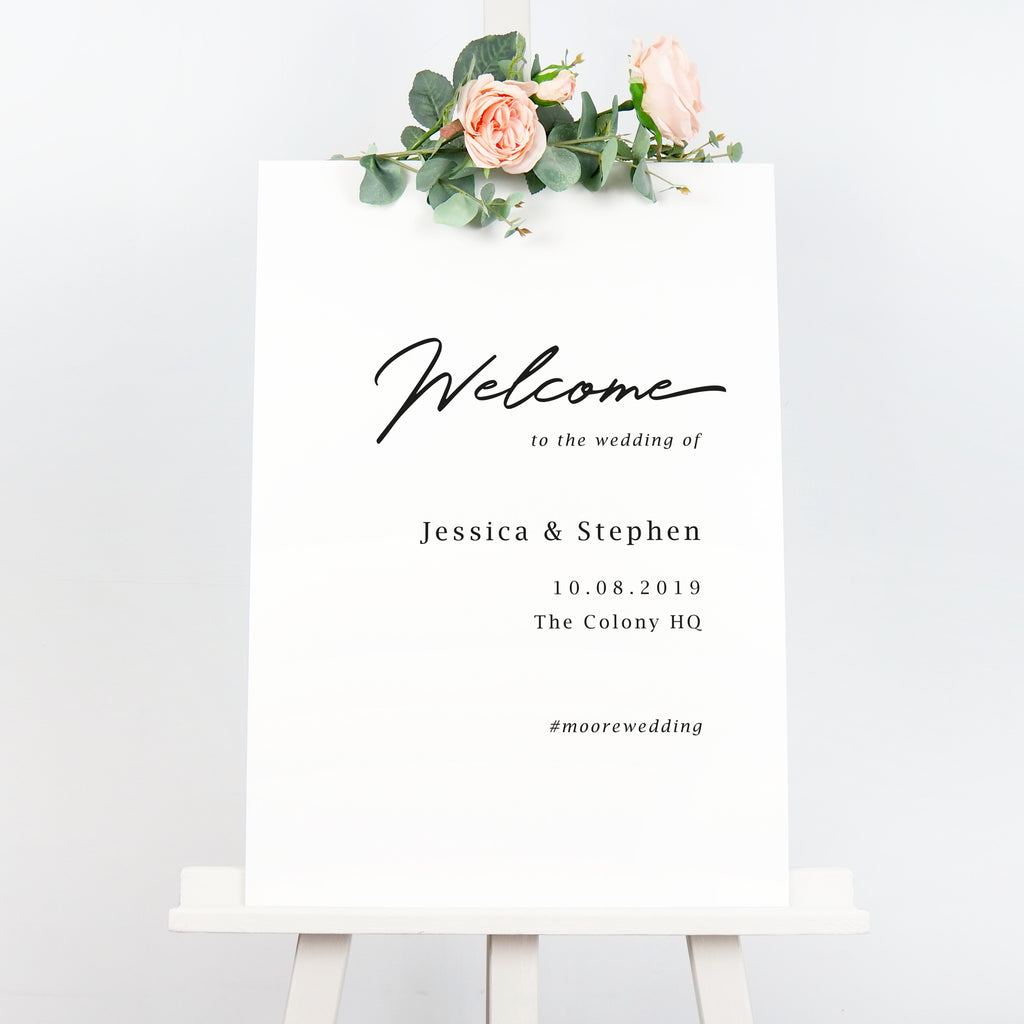 Minimal welcome sign
