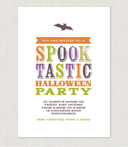 10 x Spooktastic Halloween personalised party invitations