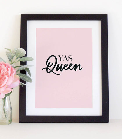 'Yas Queen'  typographical print
