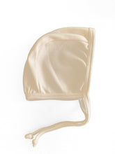 Load image into Gallery viewer, Organic Cotton unisex bonnet in Dove - CovetedThings