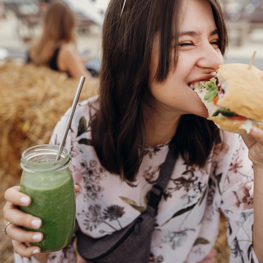 How to eat mindfully while holidaying