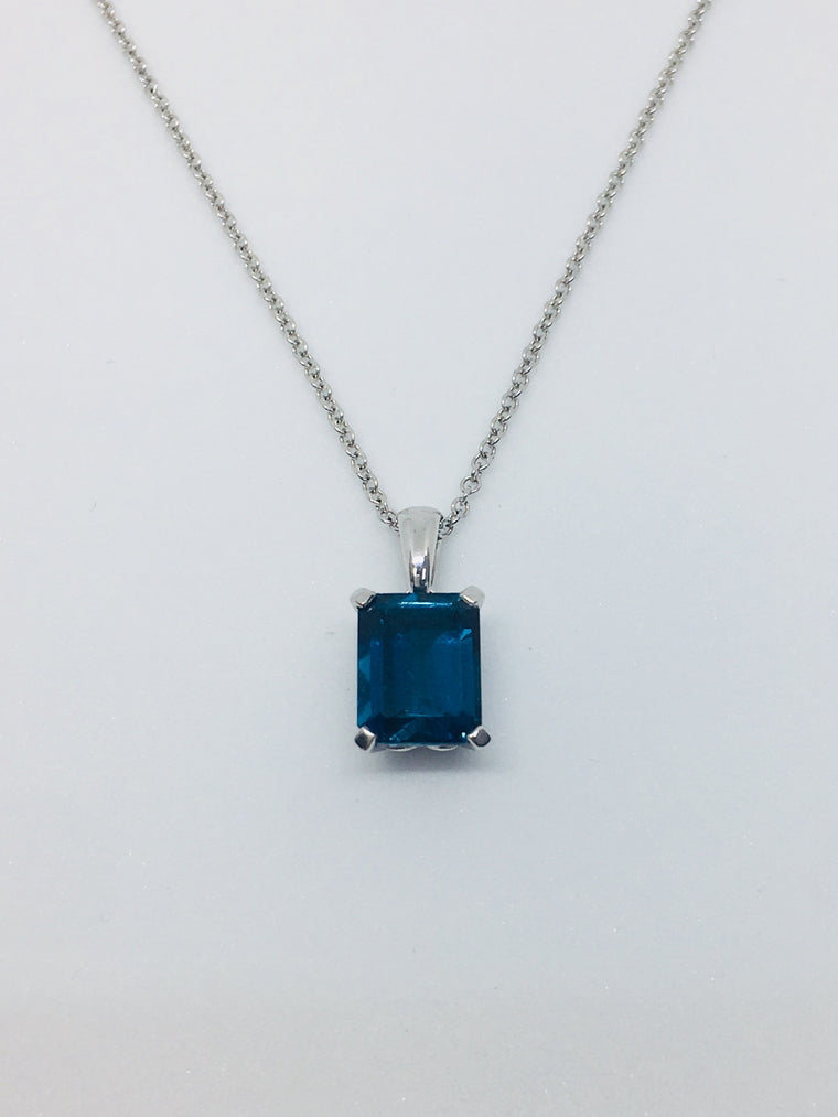 9ct White Gold & Blue Topaz Pendant GP2024T