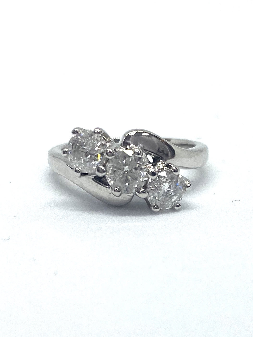 18ct White Gold 1.05cts Trilogy Diamond Ring