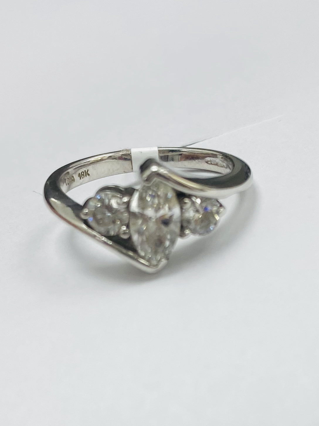 18ct White Gold 0.80cts Diamond Ring
