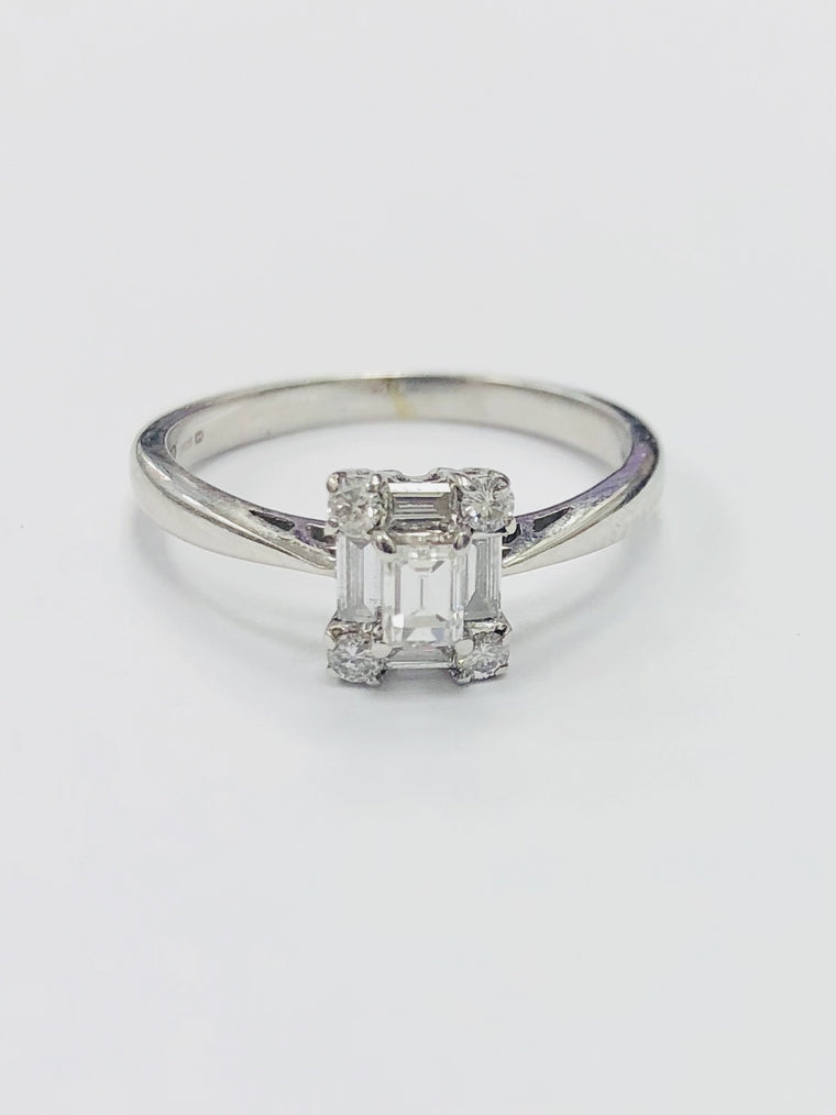 18ct White Gold 9 stone Cluster Ring