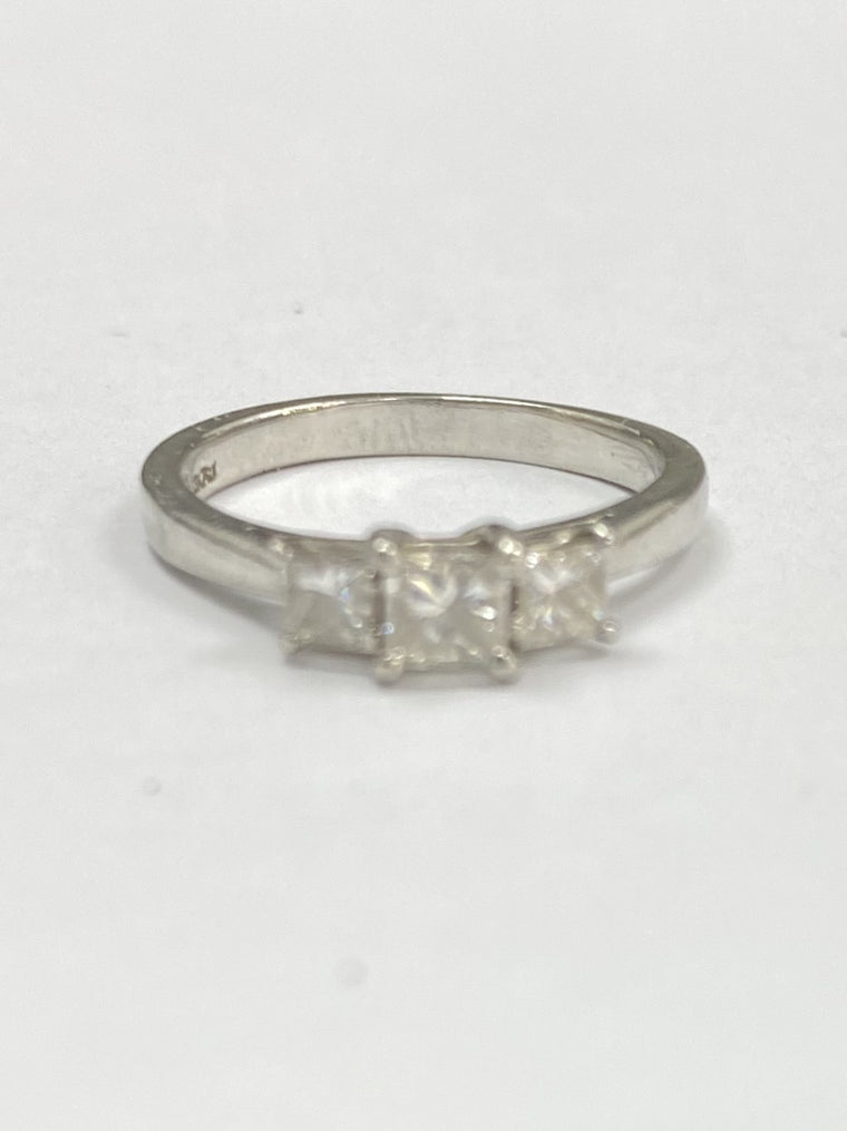 18ct White Gold Princess Cut Trilogy 0.25cts Diamond Ring