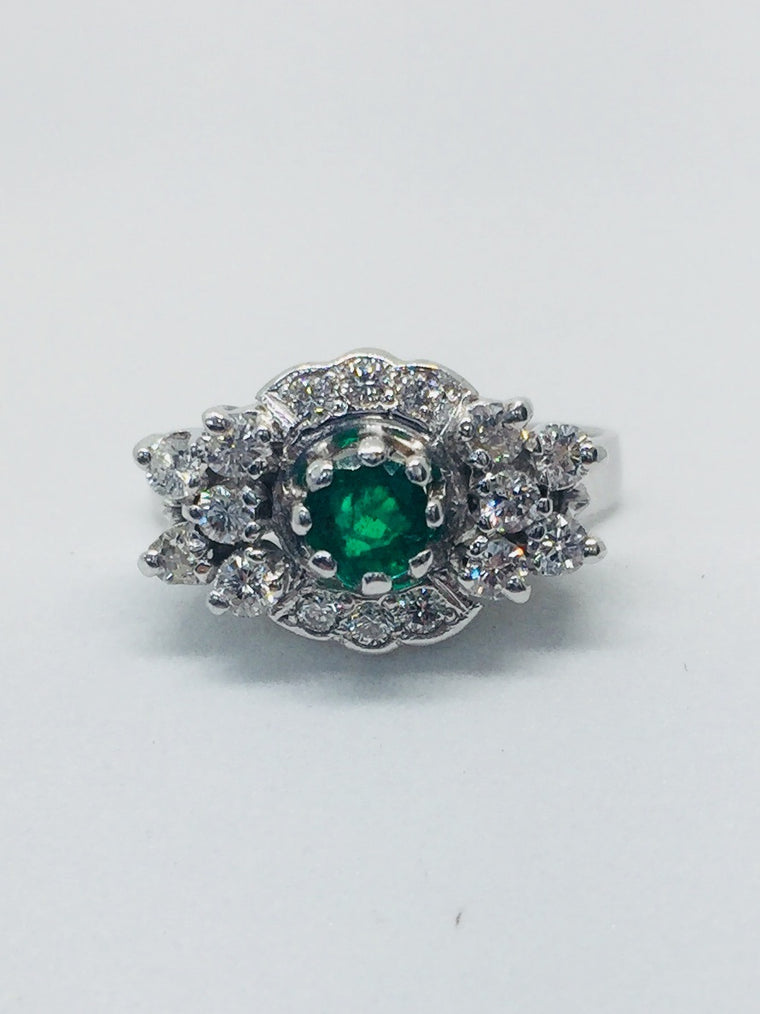 18ct White Gold Diamond and Emerald cluster ring