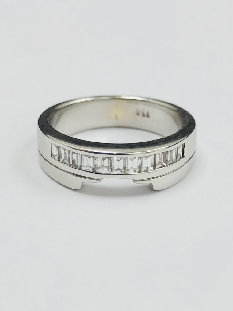 18ct White Gold Eleven Stone Wedding/Eternity Ring. 0.55cts