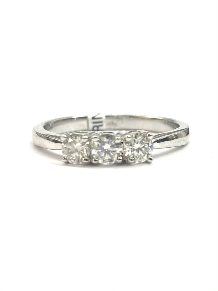 18ct White Gold 3 Sone Diamond Ring 0.52cts XR8206