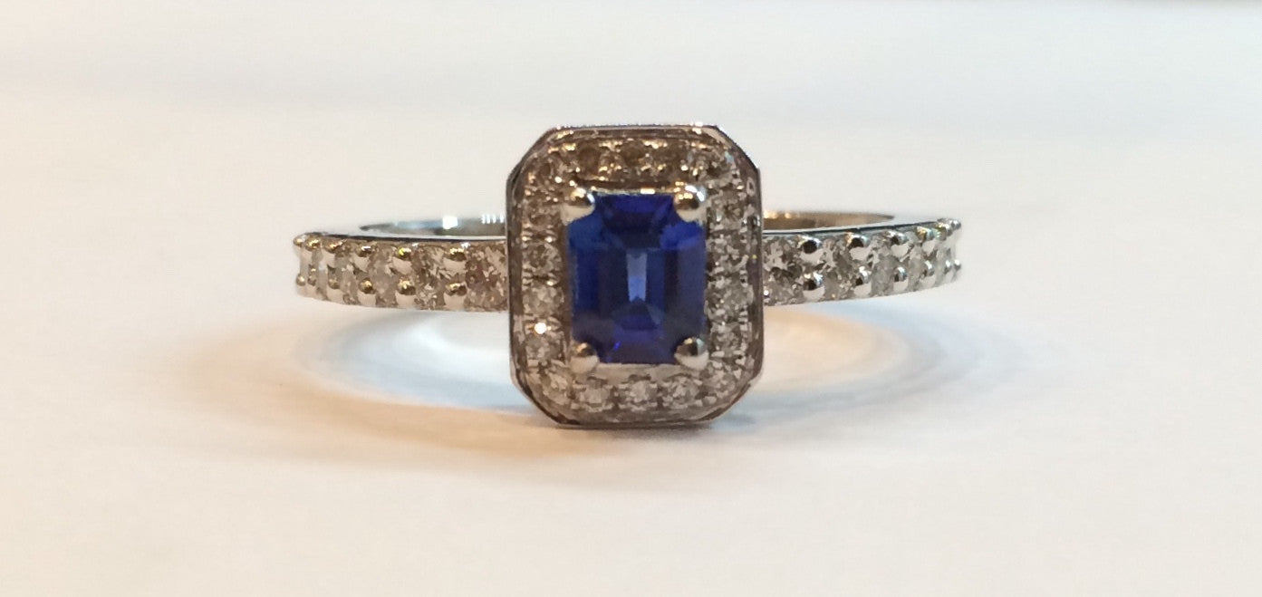 18CT WHITE GOLD DIAMOND & SAPPHIRE CLUSTER RING 2594/9 - Robert Openshaw Fine Jewellery