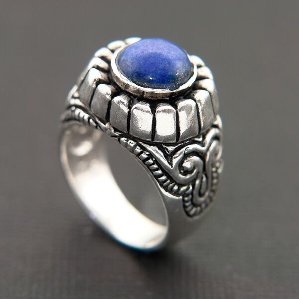 LAPIS CABOCHON SET IN OXIDIZED STERLING SILVER RING