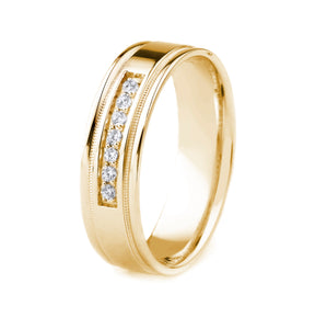 18K GOLD MEN'S WEDDING BAND WITH POLISHED FINISH, MILGRAIN AND POLISHED EDGES | SEVEN DIAMONDS (.12CTTW)